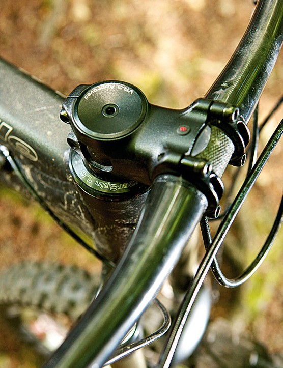 The Syntace Vector 1.5in stem keeps  things stiff at the front