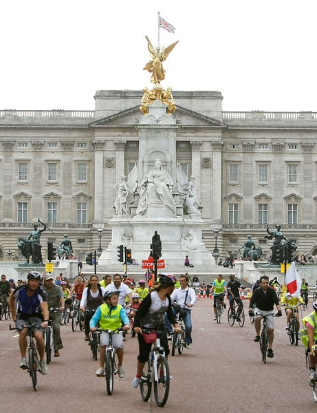 Setting off from Buckingham Palace