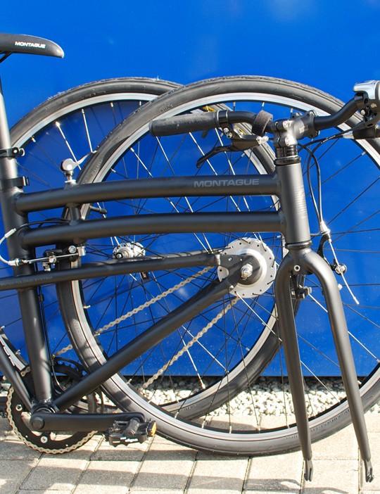 Montague 8 speed hub grs 700c wheels folded