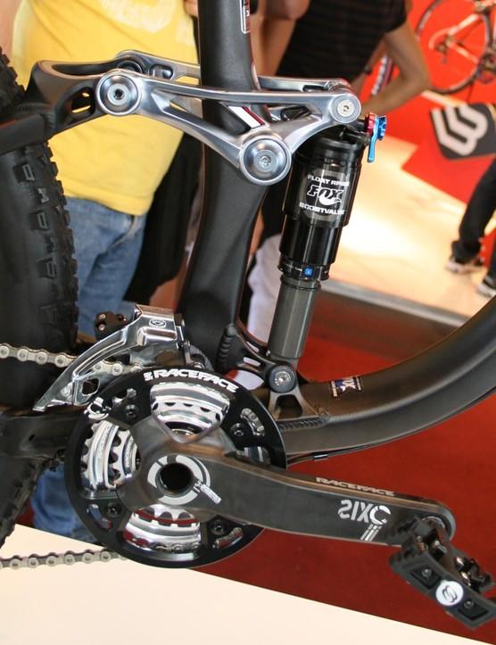 Rocky Mountain Slayer 70 bottom bracket detail with RaceFace Sixc cranks