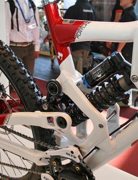 Rocky Mountain Flatline with Fox DHX RC4 rear shock