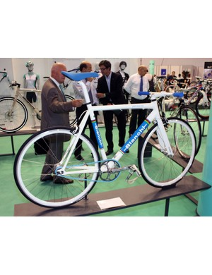 Urban fixie riders can look to Bianchi's Pista Dalmine with its flat bar and front and rear rim brakes