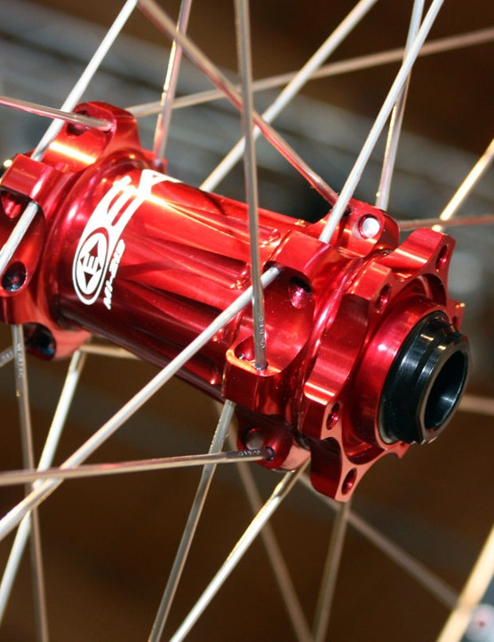 The new Easton EA90 XC front hub is interchangeable between 9mm quick release and 15mm thru-axle fitments.