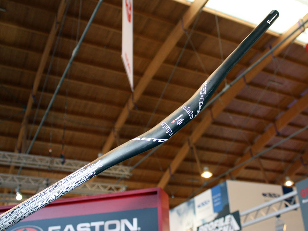 Easton is filling out its Havoc range of downhill components with the addition of a carbon fiber handlebar and other bits.