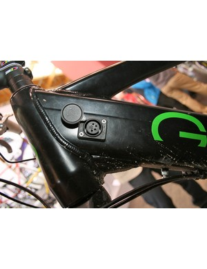 E-Ndure Evo hardtail – plug in here to charge it up