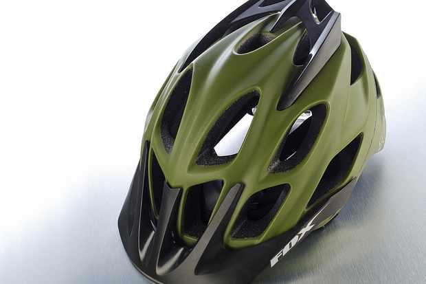 f4919a3fca9 Fox Flux helmet - BikeRadar