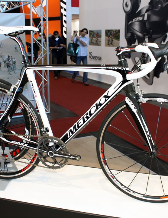Eddy Merckx has redesigned the EMX-5 for 2011, adding features also included on the new EMX-7 flagship