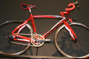 Paris with Campagnolo groupset and Zonda wheels – it was high up on the stand!