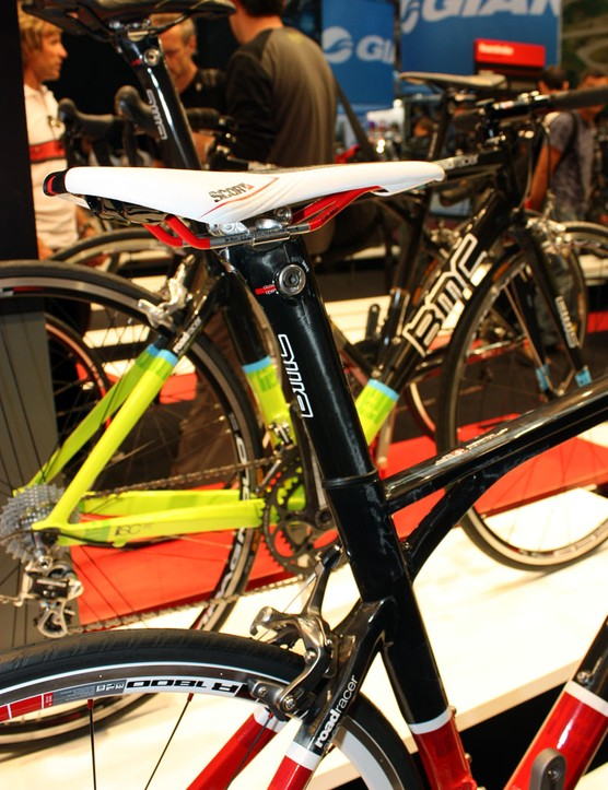 The carbon seatpost on othe new Roadracer features BMC's AngleLock clamping system