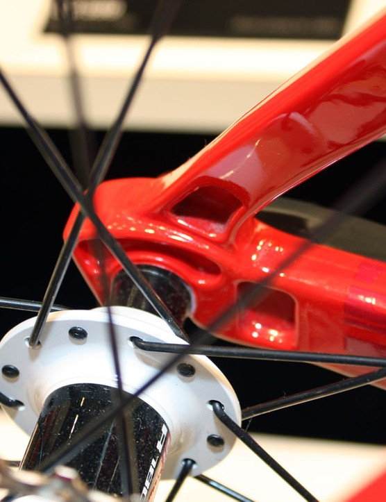 The revamped Roadracer SL01 is built with relieved aluminium dropouts