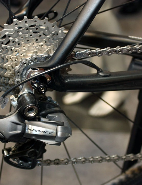 The KOM Evo Di2 uses specific internal routing and has no provisions for traditional cables
