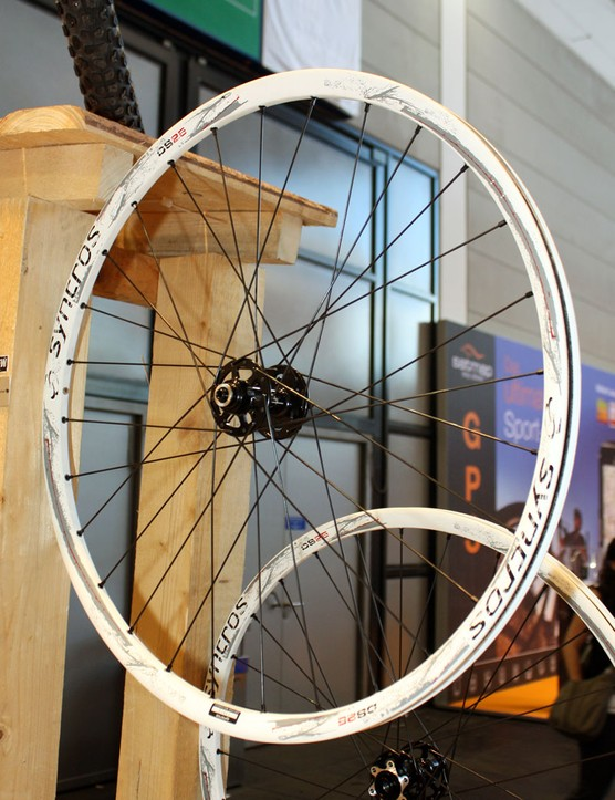 Syncros will offer their new DS25 wheels and rims in both 26in and 29in varieties