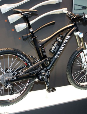 Canyon's new 160mm-travel Strive is lighter than the Torque ES it replaces
