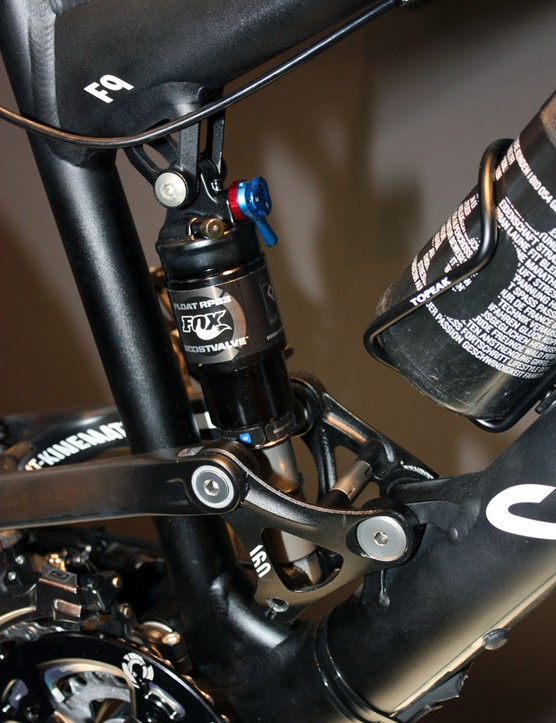 Lower shock mounts are fitted with needle bearings for a smoother stroke than the tradtional DU bushings