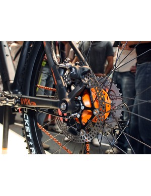 Post mount rear brake tabs are included on Canyon's Projekt frame