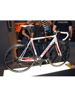 Canyon's superb Ultimate CF SLX is unchanged for 2011