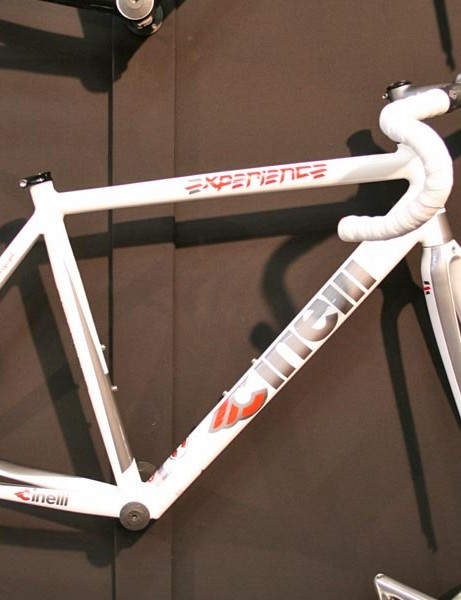 You can also buy an Experience frameset in white