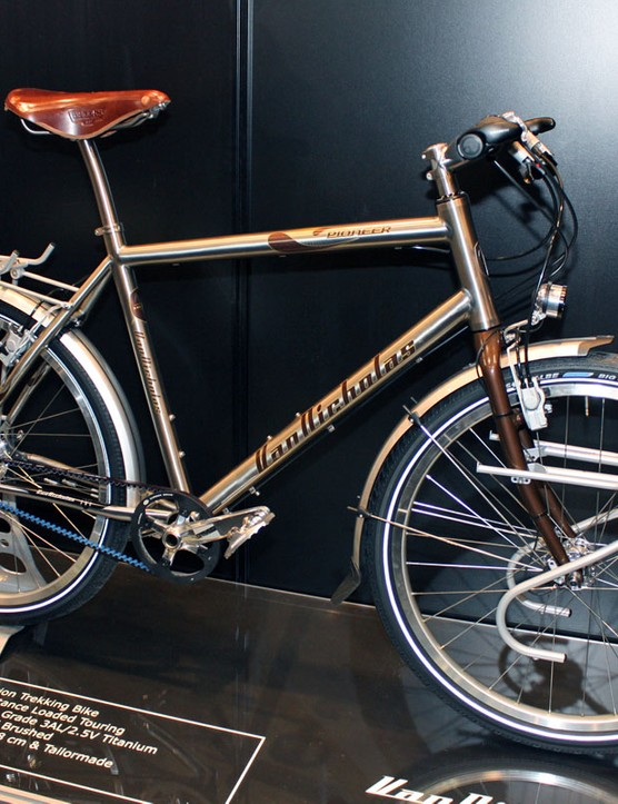 The Van Nicholas Pioneer comes complete with a Gates Carbon Belt drive and a Rohloff 14-speed internal rear hub