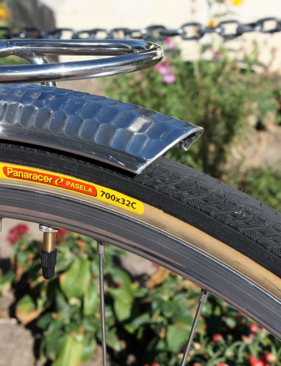 The Panaracer Pasela tires provide lots of cushion thanks to the generous 32mm-wide casing plus a thick, durable tread - and it rolls reasonably quickly, too