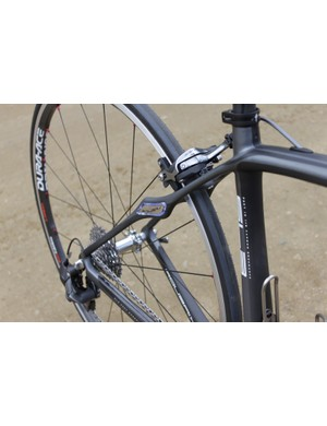 The seatstays are narrow and flat save for the new In-Zertz elastomer and mount
