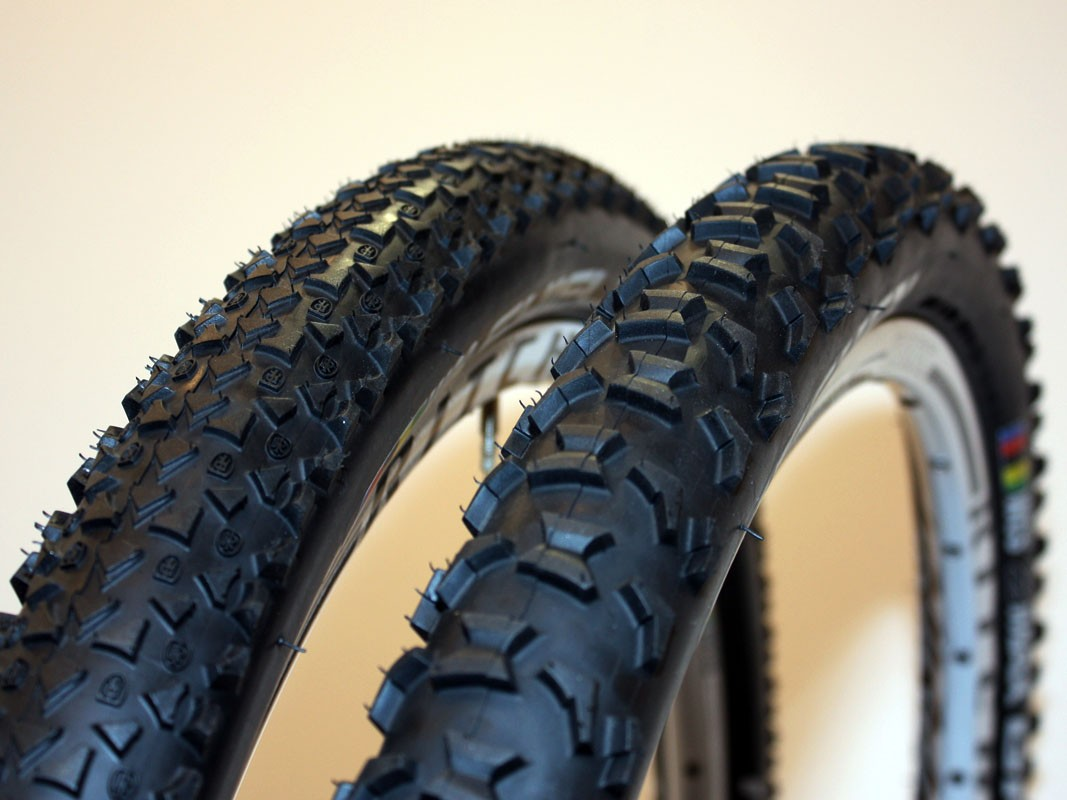 The new Ritchey Z-Max Shield (left) is intended for racing and hardpacked conditions with its fast-rolling low-knob design while the new Z-Max Grip features full-height knobs and soft rubber for better traction. WCS versions of both models are tubeless-ready with UST-type beads and standard casings to reduce weight