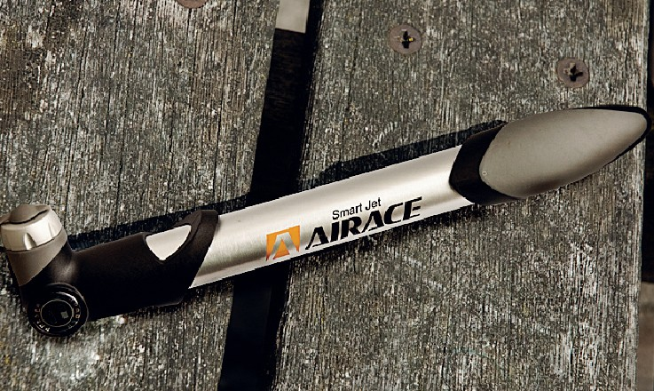 Airace smart jet intelli-valve mini pump