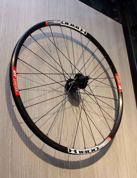 The new X 1800 wheels are similar to the X 1600 trail bike model but with a conventional two-pawl freehub system