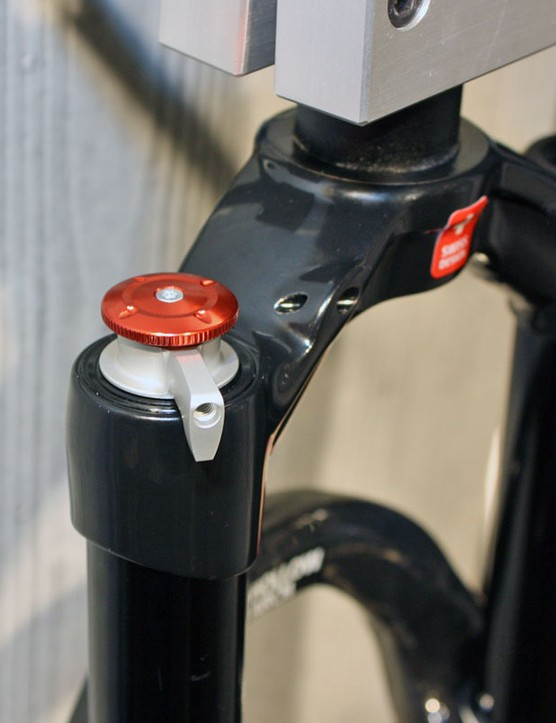 Single-shot dampers can be retrofitted with handlebar remotes if desired