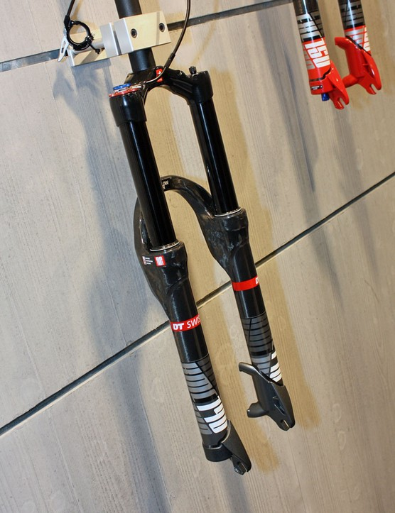 DT Swiss's new 120-140mm-travel XMC fork uses the new Twin Shot damping system with externally adjustable low-speed compression and rebound, internally adjustable high-speed compression and rebound, and a three-position lockout