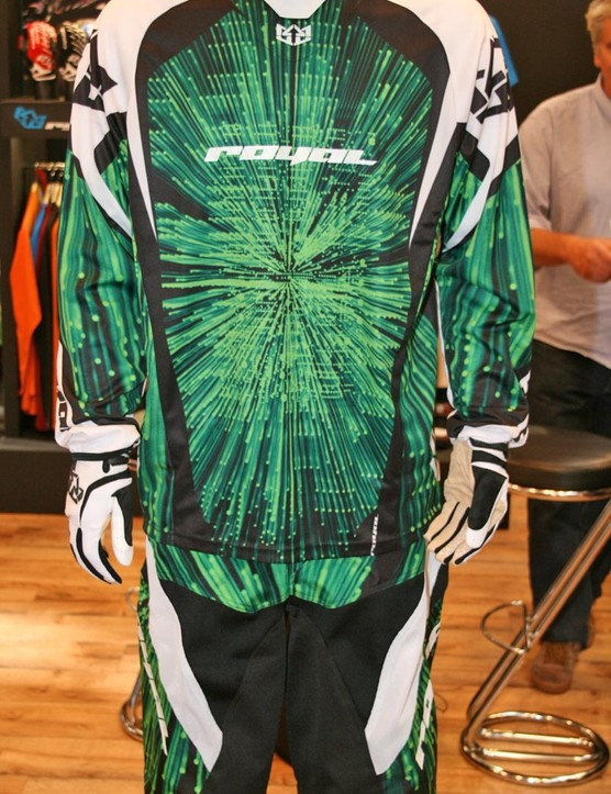 Royal will continue to sell their downhill-oriented Blast jersey and shorts