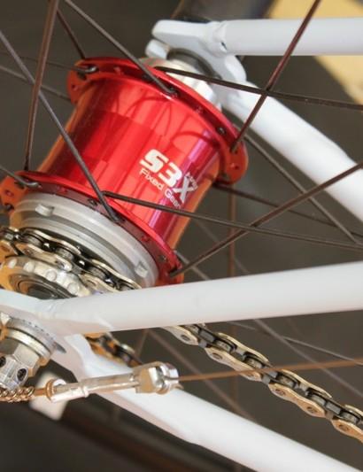 Sturmey-Archer's SX3 fixed gear specific internal gear hub