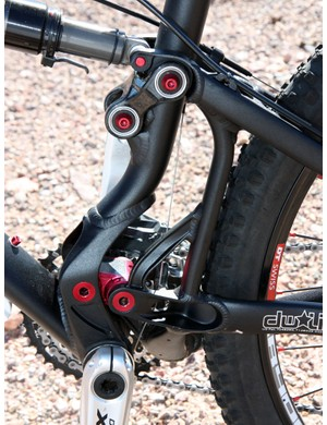 Pivot's Mach 4 retains the dw-link rear suspension design but revised linkage geometry supposedly yields better ground tracking