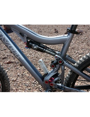 The Firebird-like top tube boosts front triangle stiffness and increases standover clearance
