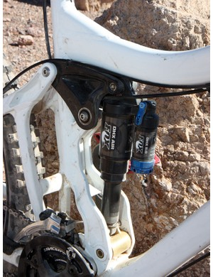 Pivot beefed up the Firebird's carbon fibre upper link in mid-season to better handle the growing number of riders using coil-over shocks