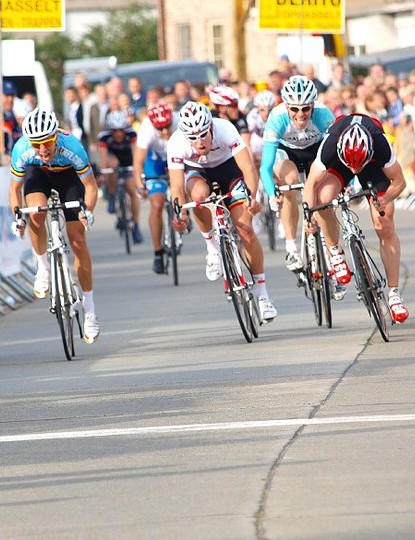 The M1 sprint (L to R): Robin Coomber (3rd), Frederik Backelandt (2nd), Lorenzo Derycke (4th), Holger Koopmann (5th), Christophe Moec (1st) and Erwin De Clercq (6th)