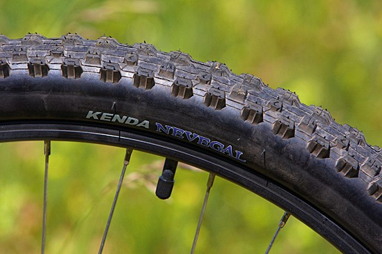 2b04f27ee0b Kenda Nevegal 2.1in treads are a great choice on a bike at this price