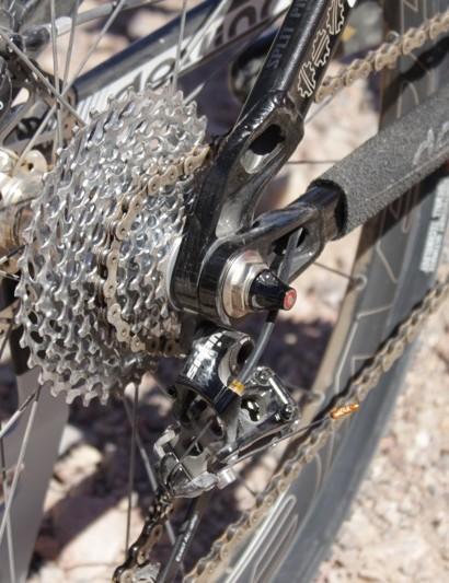 Dexter's Split Pivot uses a standard 135mm wheel and 9mm quick-release skewer
