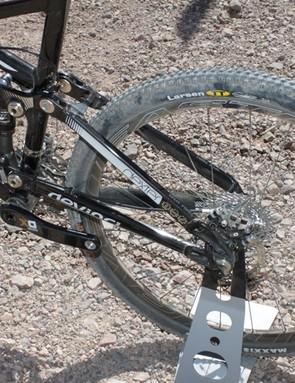 Devinci use asymetric swingarms on the Split Pivot bikes