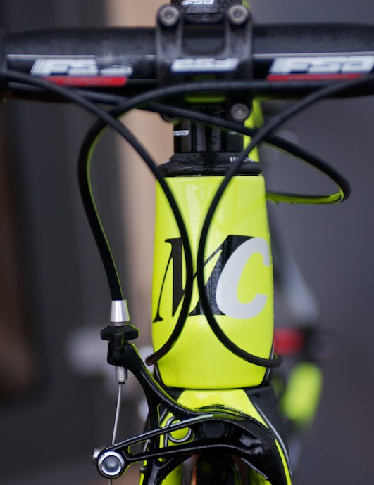 The chunky head tube houses a tapered steerer
