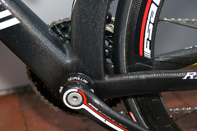 BB30 bottom bracket swamped by carbon