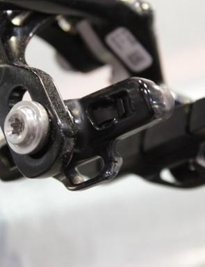 A close look at the new brake pad holder
