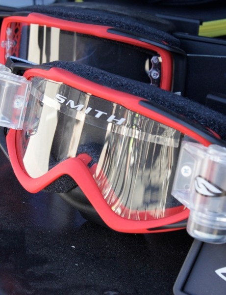 Smith's Roll Off goggle system