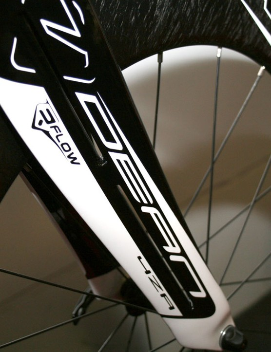 The R-Flow jetfoil fork helps cut turbulence around the front wheel