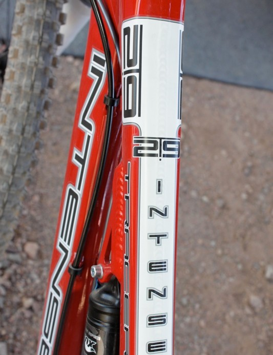 Graphics on the Tracer 29's top tube