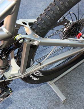 Chainstays have been narrowed slightly on the 2011 5.Spot to accommodate two-chainring cranksets with tighter stance widths