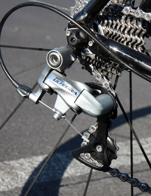 The Shimano Ultegra rear derailleur on our test bike rattled off shifts reliably, though the lever feel was rather vague
