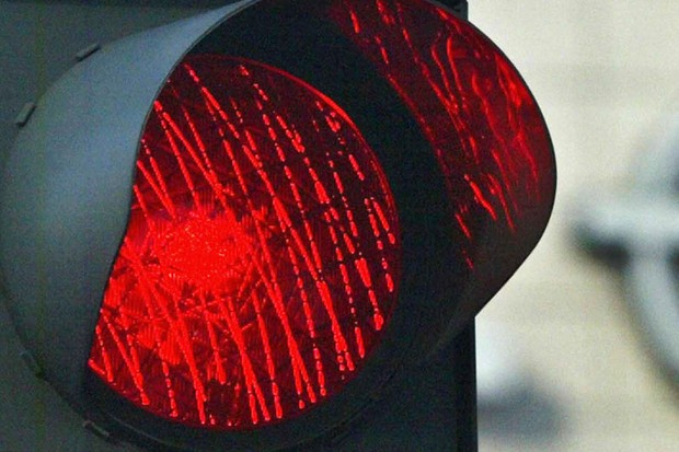 Cyclists who jump red lights in Geelong, Australia have been threatened with fines