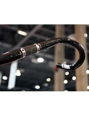 New for 2011 from HED is a range of carbon fibre and aluminium road handlebars