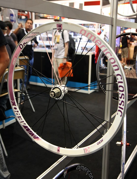 American Classic's popular 420 road wheelset are available in this fetching pink and purple hue