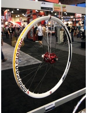 American Classic's 26in cross-country disc wheelset uses wider rims than most, offers easy tubeless compatibility and yet is still light at under 1,500g for the pair